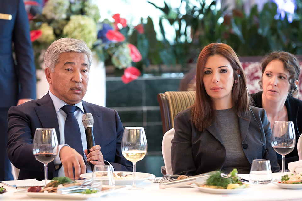 1-Randa-Kassis-with-the-Defense-Minister-of-Kazakhstan-Imangali-Tasmagambetov.-